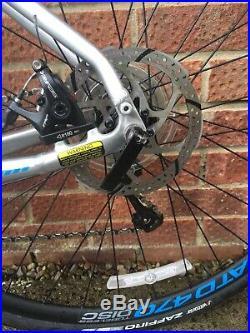 2018 Jamis Ventura Race Road Bike Gravel Bike Shimano Tiagra Carbon Forks Discs