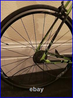 Cannondale CAAD8 61cm Road Bike Shimano 105 group set