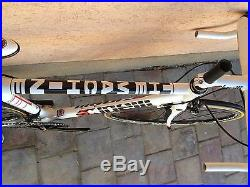Cinelli The machine S size Carbon Road Bike Shimano 105 10 speed NEW