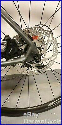 Focus Bike Izalco Race Disc 105 M Size 54cm/21 2x11 Shimano 105 Gs Carbon Frame