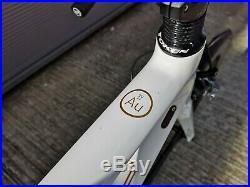 Orro Gold Signature, Shimano Ultegra Di2, Token Carbon Wheels, Road Bike, Small