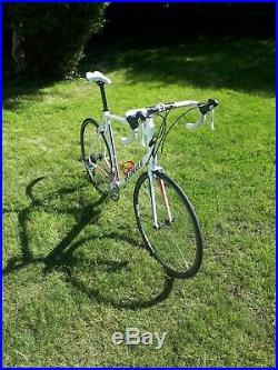 Specialized Allez Road Bike, Shimano Sora Drivetrain, 61cm frame