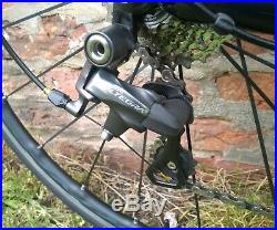 Specialized Roubaix 56cm Carbon Fibre Road Bike with Shimano Ultegra