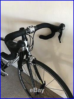 Specialized Roubaix Elite Carbon Fibre Road Racing Bike Shimano 105 Fulcrum FSA